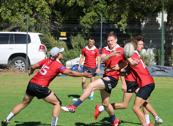 The #sasrii backline worked on some passing skills this morning. Corne Uys Ian Campbell-Mc…